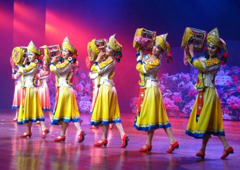 彝族能歌善舞.jpg
